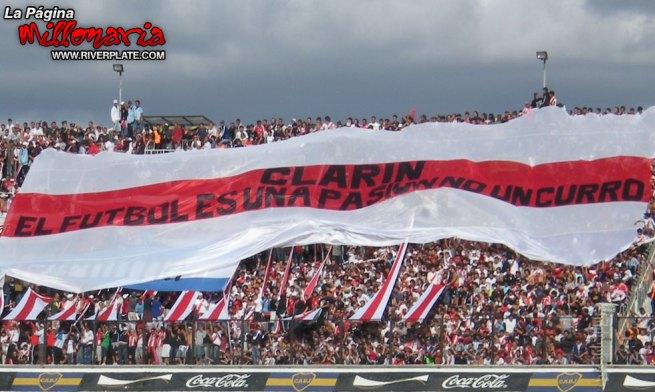 130-bandera-clarin1