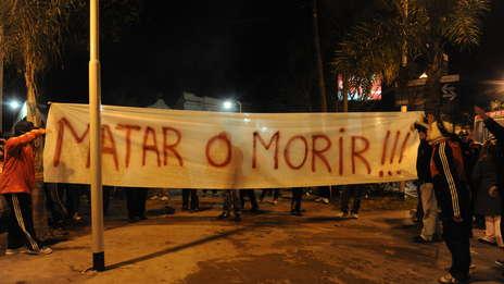 bandera-desplegada-Don-Torcuato_OLEIMA20110623_0130_5